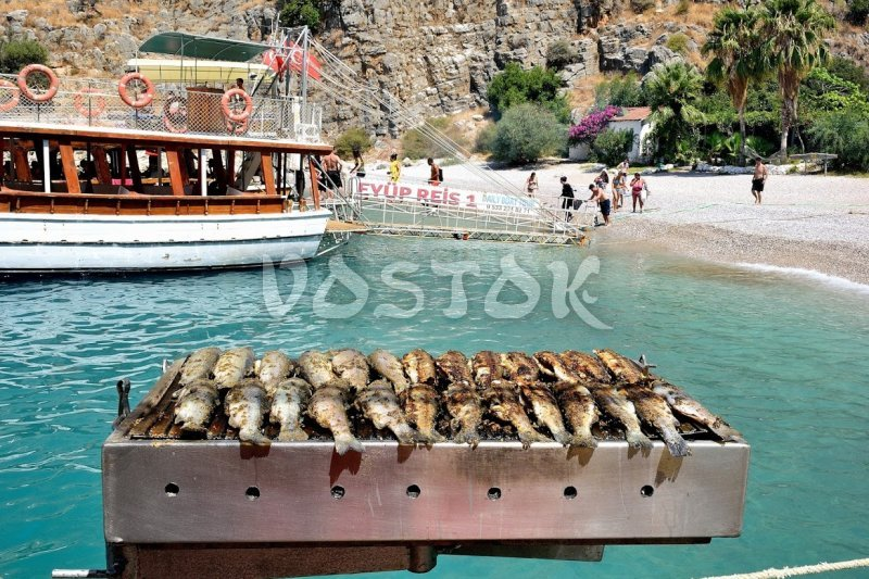 In the middle of our Oludeniz boa trip we are having BBQ lunch at Butterfly Valley