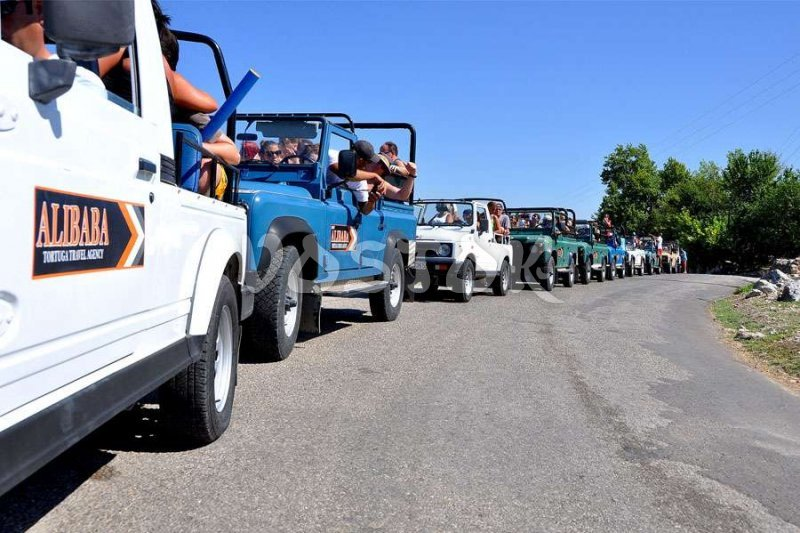 All are here so we did not loose anybody during our jeep safari Fethiye