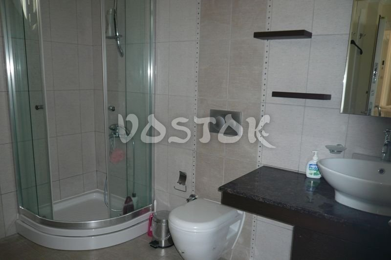 Top quality decorated bathroom with shower cabin - Blue Green Apartments Calis Beach