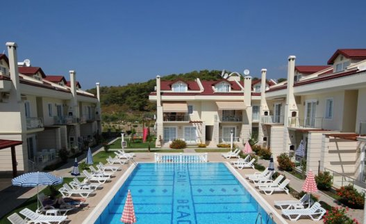 <p>The 2 bedrooms holiday Ocean Beach apartment for rent in Calis. Very Close to the Calis beach.&nbsp;A lovely apartment in a great location equipped with 2 bathrooms and suitable for 4 people.</p>