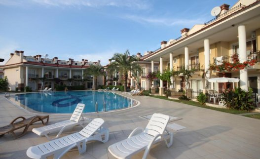 <p>The Oasis Village Yaniklar complex is located near a beautiful nature reserve in&nbsp;only 10 km&nbsp;from&nbsp;Fethiye and 20 km&nbsp;from&nbsp;Gocek.</p>
