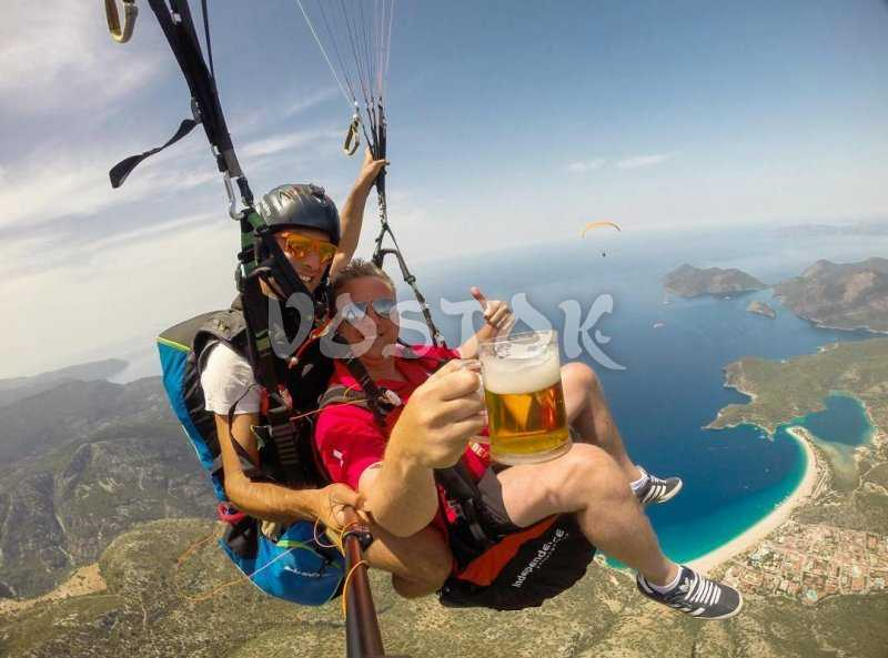 Fancy glass of cold Efes? No problems even while paragliding over Oludeniz beach :-)