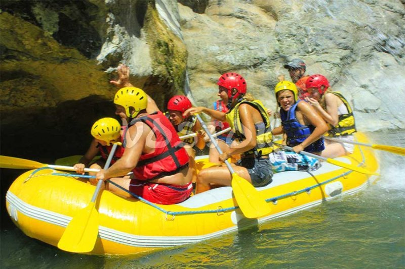 Cold water shower is refreshing - Rafting Fethiye