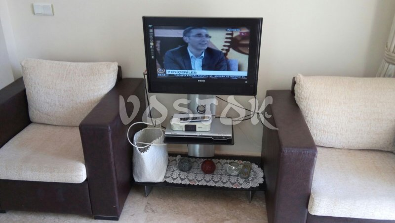 Flat SAT TV in living room - A2 Sun Valley Apartment