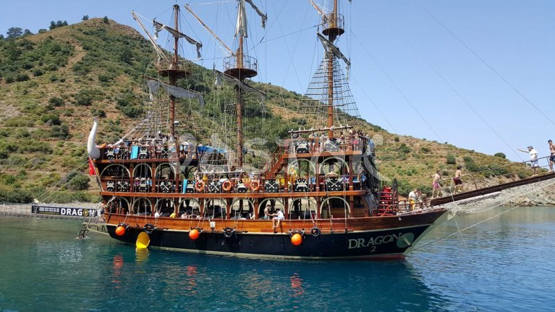 Dragon Boat resembles pirate boat and has water slide that makes it great for kids - they will never forget such a great Oludeniz boat trip