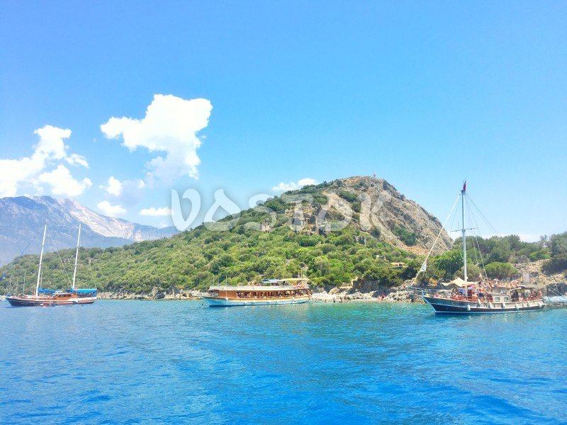 Oludeniz boat trips sometimes include anchoring at Gemiler Island