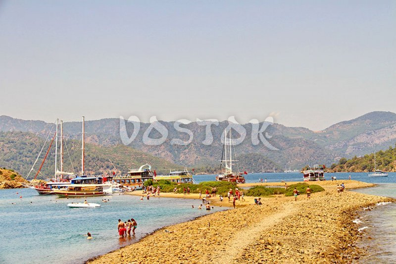 Flat Island (Yassica Islands) is the best place for walking during the 12 island boat trip from Fethiye