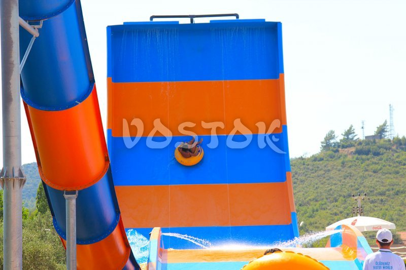 View on the Boomerang slide from the left side - Fethiye aquapark