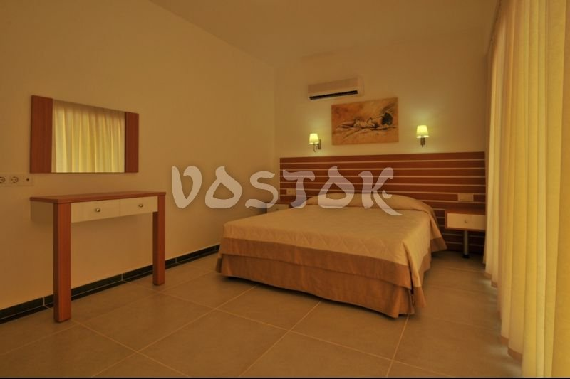 Double bed bedroom - Odyssey Residence in Calis Turkey
