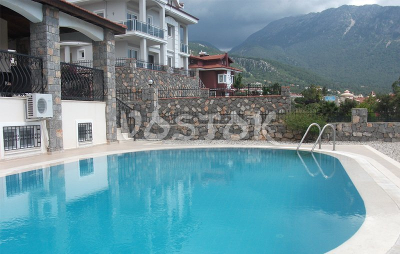 Large swimming pool and amazing view to the mountain - Oriana villas in Ovacik