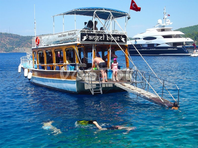 Angel boat is suitable for large groups or big families - Private Boat Hire Fethiye