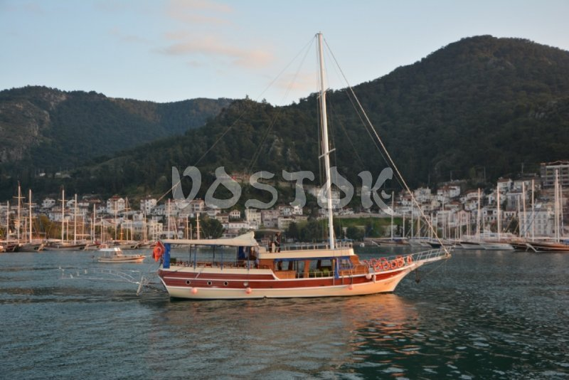 Sailing boat Kardesler 5 is good for up to 30 people and available for private boat hire form Fethiye harbor