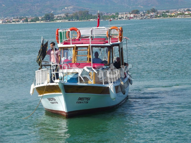 Sweet Pea boat is ideal for small groups of people (up to 12 persons) - Private Boat Hire Fethiye