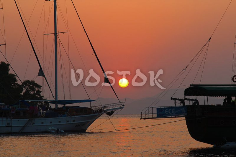 Hire private boat for sunset cruise from Fethiye