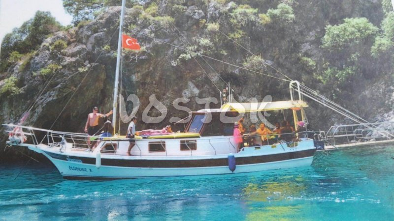 Oludeniz X boat is available for private boat hire from Oludeniz beach. Its capacity is up to 10 people.