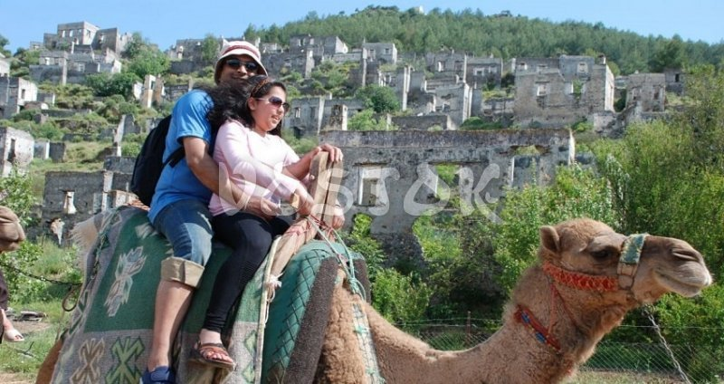 Camel riding in Turkey is full of fun for kids