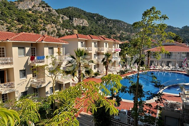 Huge communal pool - Blue Lagoon Hotel Oludeniz