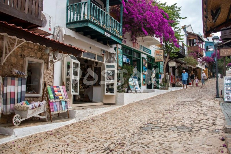 Walking the narrow streets of Kalkan town - Fethiye to Kalkan Tour