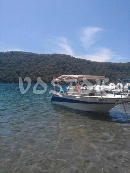 The 115 HP speed boat that is available for hire with captain and can accommodate up to 6 people - Speed Boat Hire Oludeniz