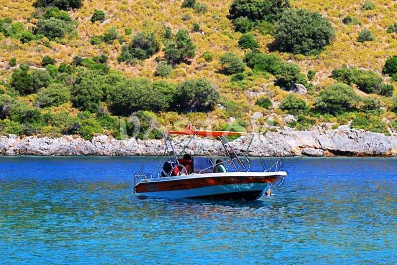 Oludeniz speed boat hire is excitement for whole family