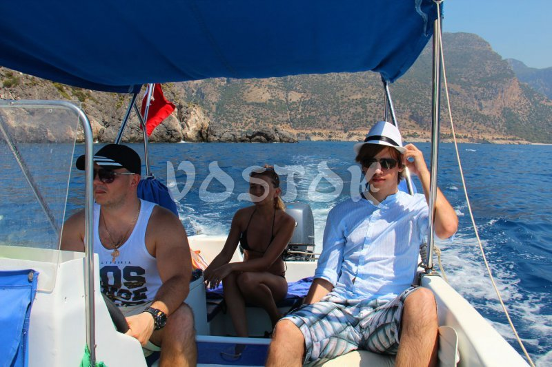 Speed boat is big enough for 4 people - Speed Boat Hire Oludeniz