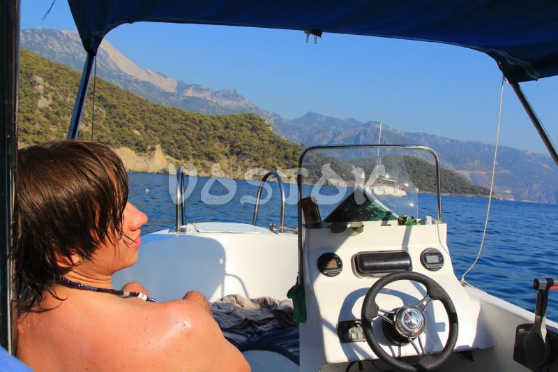 Speed boat is quite easy to drive - Speed Boat Hire Oludeniz