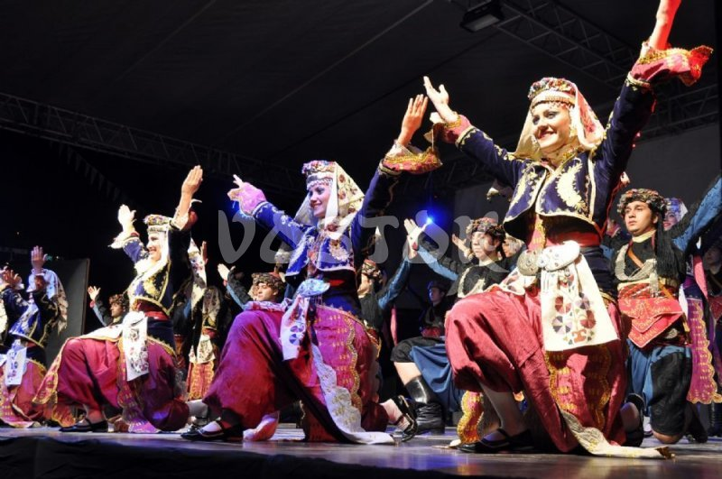 Folk Turkish dances - Turkish Night Oludeniz