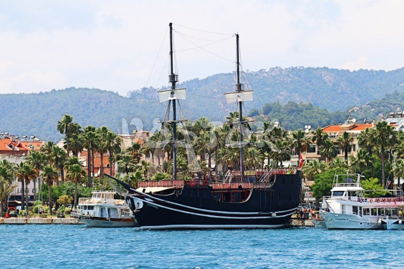 Pirate boats are very popular for boat trips from Marmaris harbor