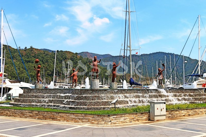Fountain in Marmaris marina