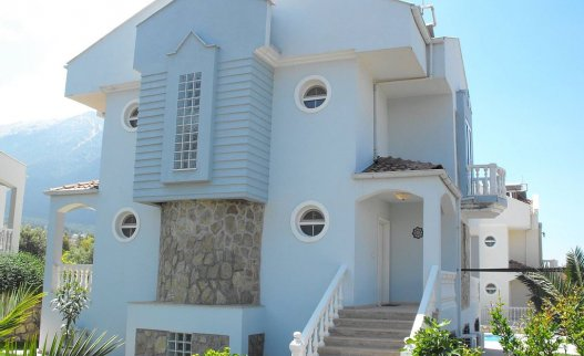 <p>Daisy Villa is a 7 beedrooms villa for&nbsp;up to 12&nbsp;persons located in&nbsp;Ovacik area.&nbsp;</p>