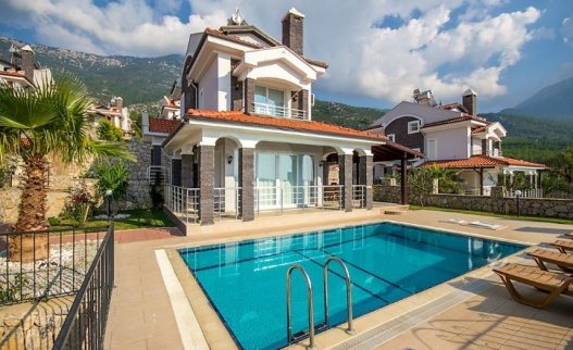 <p>The Villa Arna in Ovacik is 3 bedroom villa with private pool and a&nbsp;beautiful panoramic sea and mountain view.</p>
