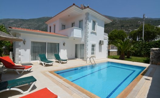 <p>The 3 bedroom Palm Villa with private pool is located in Ovacik Oludeniz and suitable for 6 people.</p>