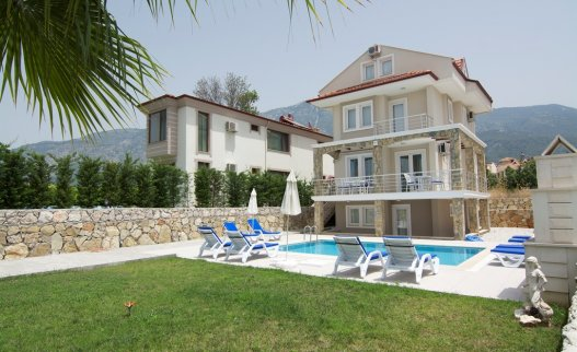 <p>The 5 bedroom Mounttain View villa with private pool in Ovacik has 5 bedrooms and is big enough for 10 persons.</p>