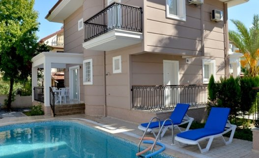 <p>The A2 Talia Villa in Calis Fethiye Turkey&nbsp;is ideal for families, couples and groups of friends enjoying a vacation in a superb location.The villa is located in a quiet street in a neighborhood of both local and expat homes in Calis district.&nbsp;</p>